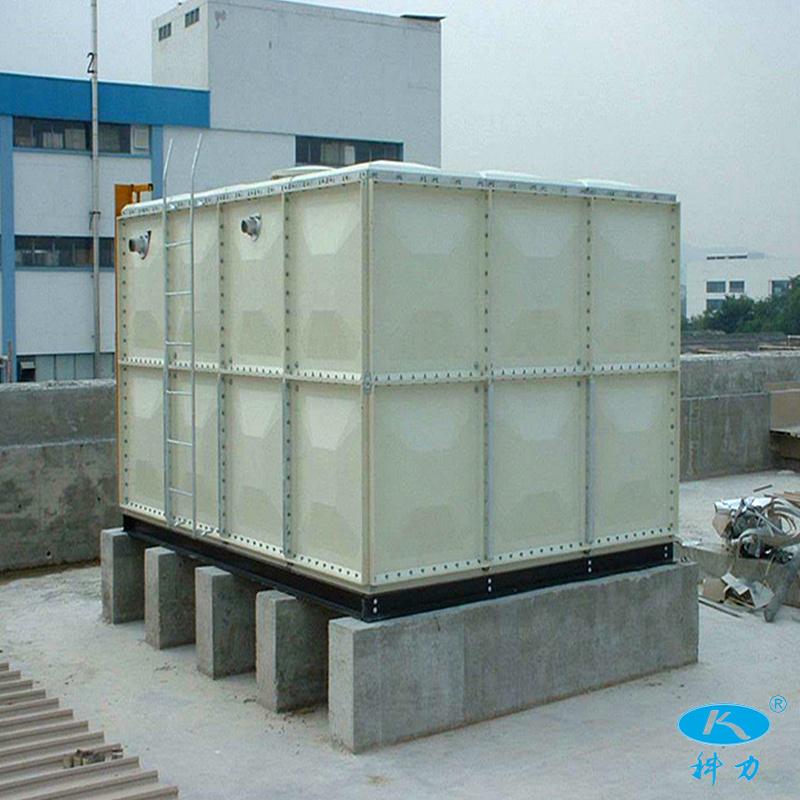 玻璃钢水箱.jpg